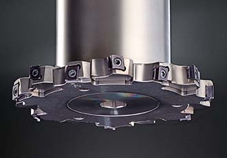 Adjustable side milling cutter for grooving