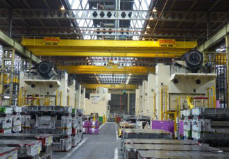 Electric wire-rope hoists serve press shop at UK automotive plant