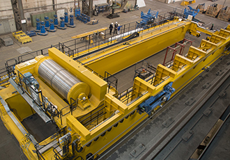 Extremely mobile energy chains in XXL process crane